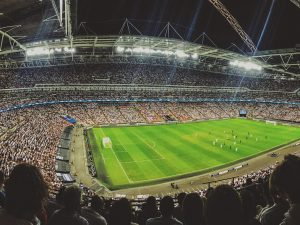サッカーW杯日本のサポーターの試合後のごみ拾い にみる日本の国民文化