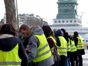 パリで働く、日本人マーケターのトレンドレポート(18)フランス社会を揺さぶる大規模デモ ー 溢れる「色」と「モチーフ」